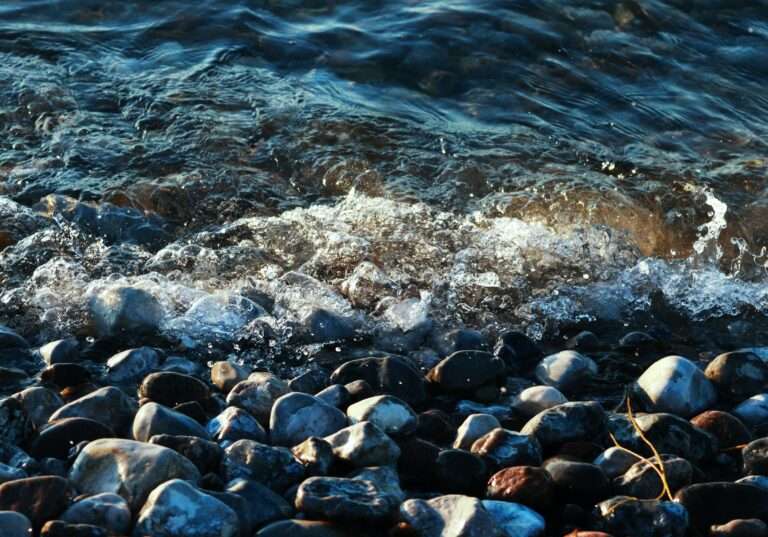 små bølger