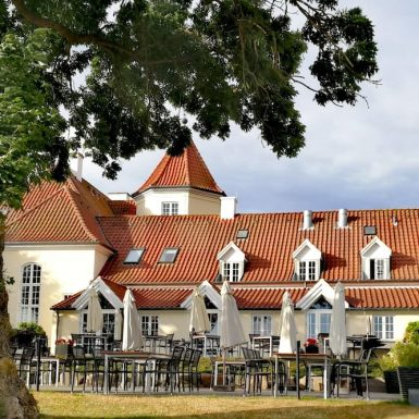 Gl. Avernæs Sinatur Hotel